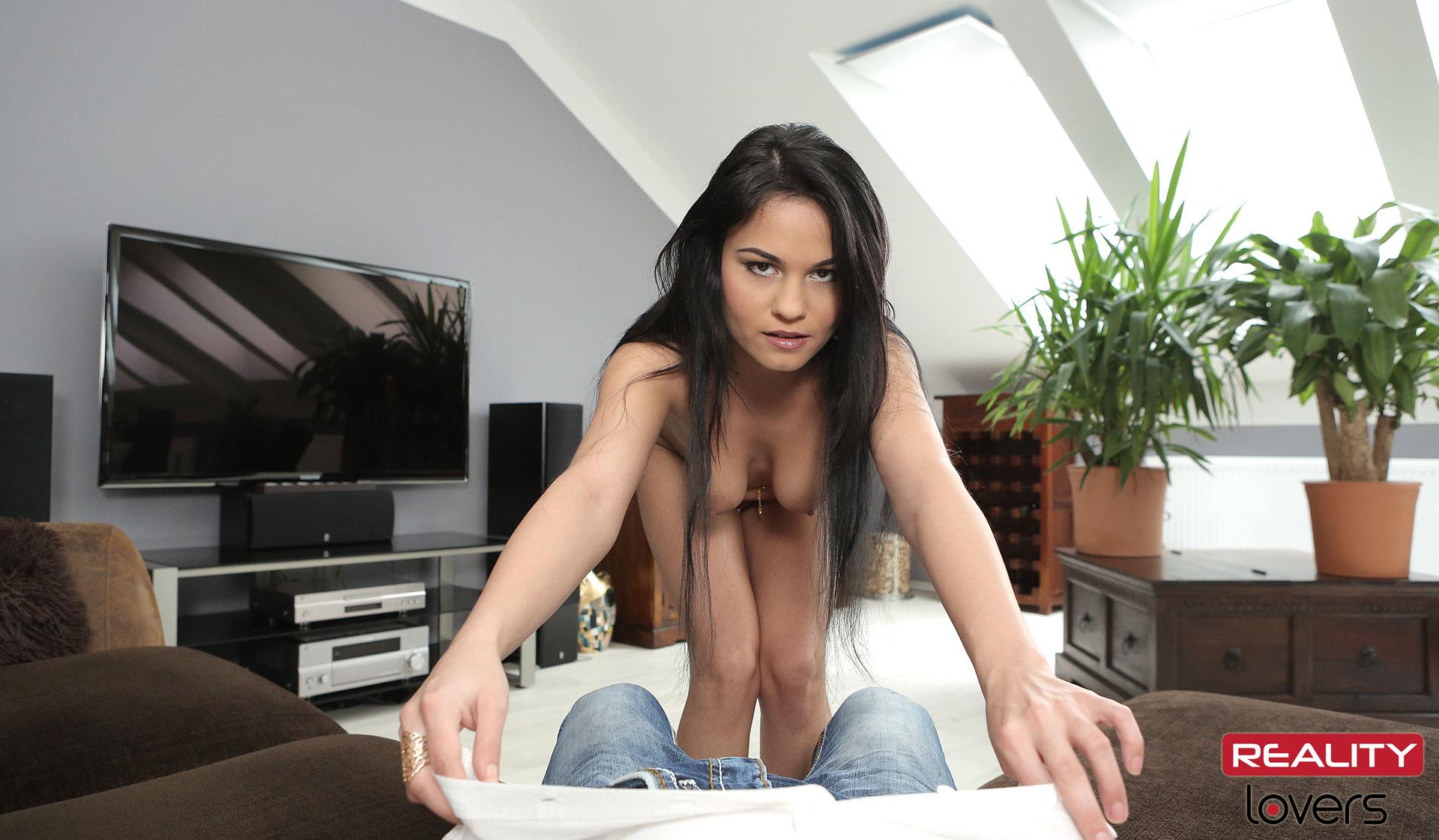 Fuck Aida With Big Natural Tits VR Porn Movie