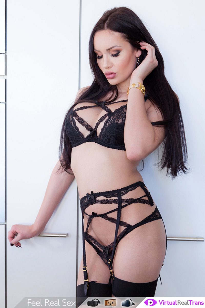 Solo Show Of Classy Black Hair TS VR Porn Movie