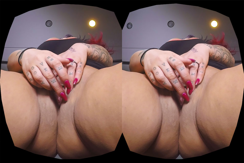 Big Curvy Latina With Solo Pussy Show VR Porn Movie
